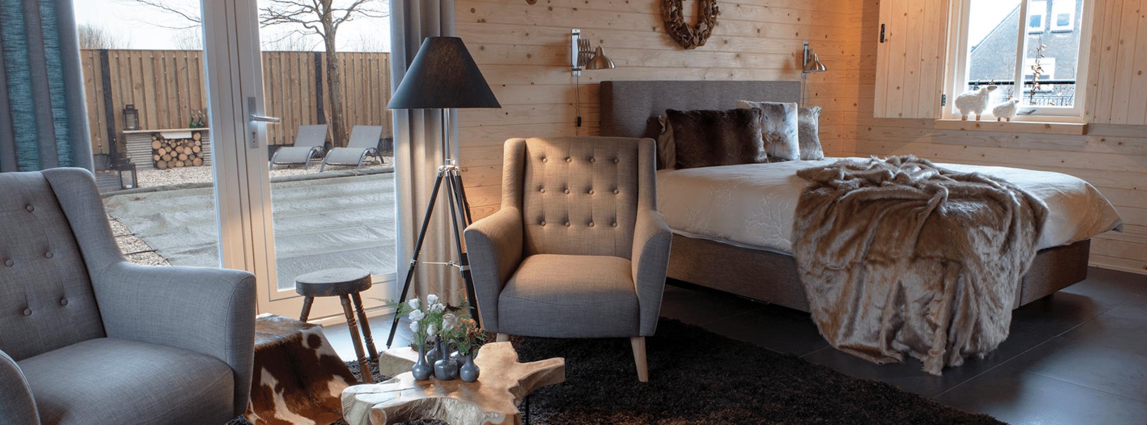 Een impressie van een mooi ingerichte slaapkamer door De Suite.