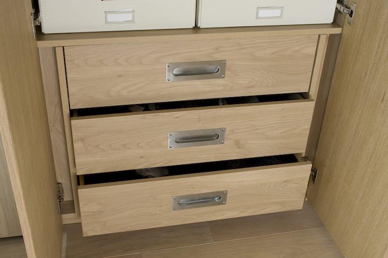 houten laden draaideurkast
