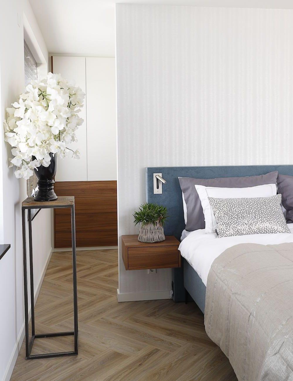 slaapkamer met draaideuren