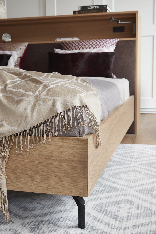 detail eiken houten bed