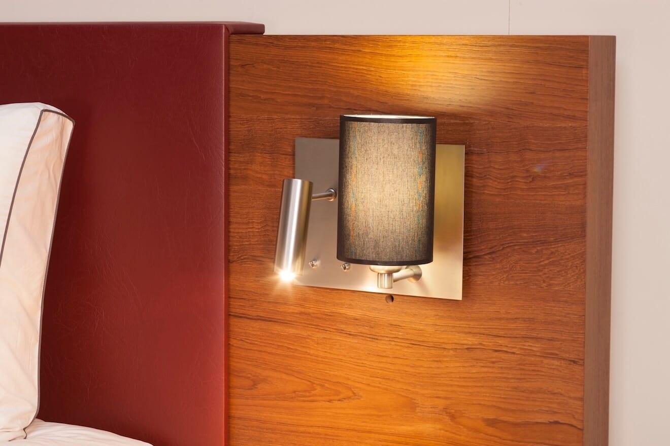 Prettig lezen in bed met deze ingebouwde bedlamp