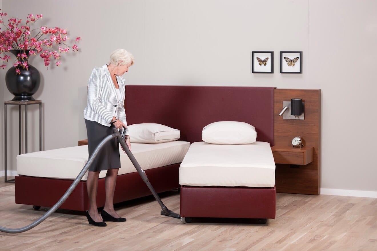 U kunt makkelijk schoonmaken onder het hoog laag bed