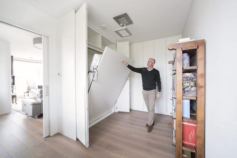 Ruimte in kleine slaapkamer met opklapnbed