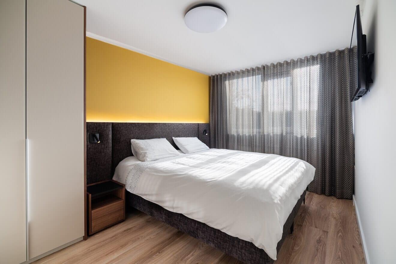 Mooie kleine slaapkamer met luxe inrichting