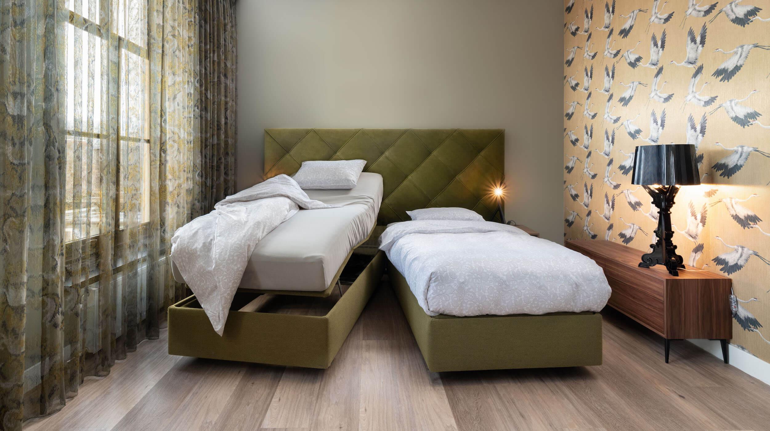 2-persoons elektrisch bed met matrassen