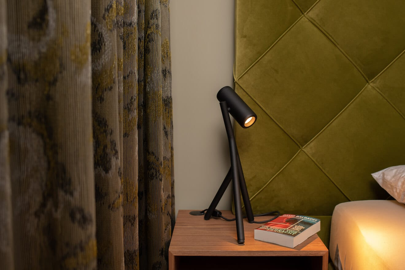 bedlamp Medard op nachtkastje