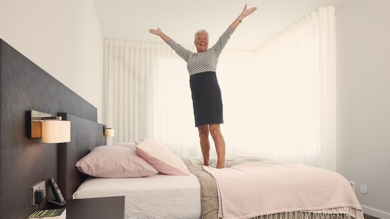 50 plusser spring op bed